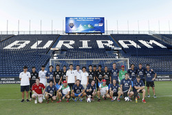 Group photo WTCC drivers and Buriram soccer team