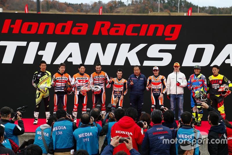 Gruppenfoto der Honda-Fahrer