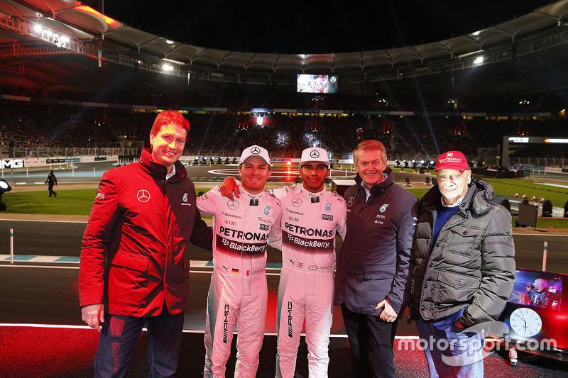 Ola Källenius, Daimler AG Board member, Nico Rosberg, Mercedes AMG F1, Lewis Hamilton, Mercedes AMG