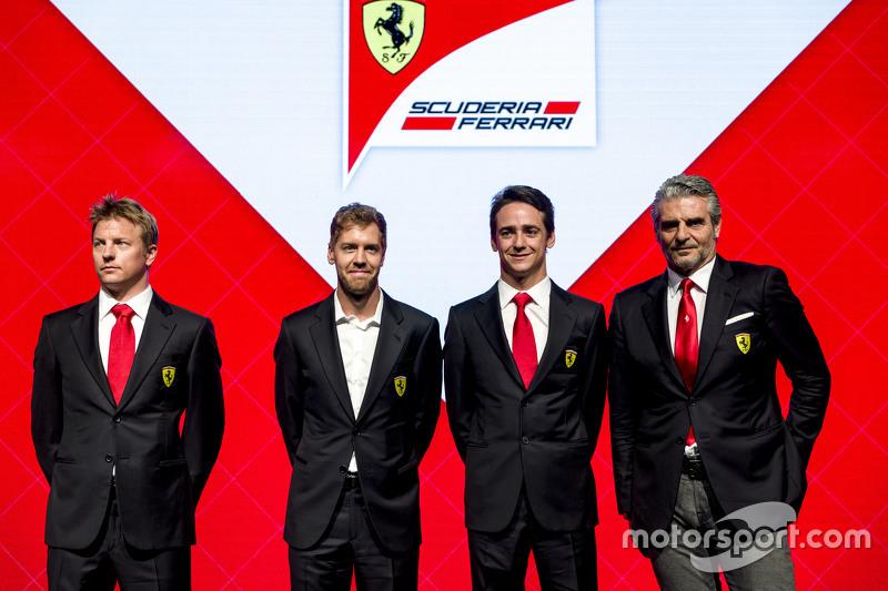2015 Kimi Raikkonen, Sebastian Vettel, Esteban Gutiérrez y Maurizio Arrivabene, Scuderia Ferrari presentación