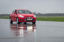 Top Gear's Vauxhall Astra K te koop