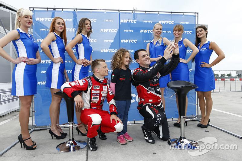 Норберт Міцеліс, Honda Civic WTCC, Zengo Motorsport та Матей Хомола, Chevrolet RML Cruze TC1, Campos Racing