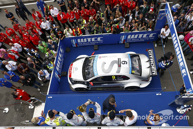 Podium: race winner Sébastien Loeb, Citroën C-Elysée WTCC, Citroën World Touring Car team, second place Jose Maria Lopez, Citroën C-Elysée WTCC, Citroën World Touring Car team, third place Yvan Muller, Citroën C-Elysee WTCC, Citroën World Touring Car team and Hugo Valente, Chevrolet RML Cruze TC1, Campos Racing