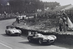 Mike Hawthorn, Ferrari; Stirling Moss, Mercedes
