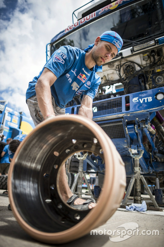 Mechanic of Team KAMAZ Master works during the rest day of Rally Dakar 2016