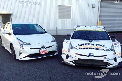Toyota Prius V8 voorstelling