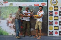Winners Jagat Nanjappa and Chethan Chengappa with Ashish Gupta