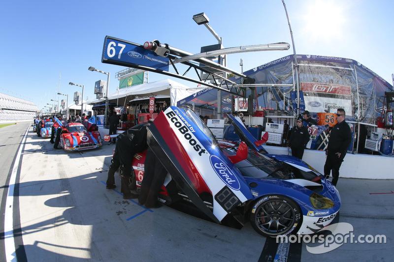 8. #67 Ford Performance Chip Ganassi Racing Ford GT: Ryan Briscoe, Richard Westbrook, Stefan Mücke