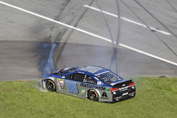 Crash: Dale Earnhardt Jr., Hendrick Motorsports Chevrolet