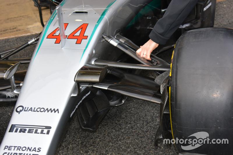 Деталь машины Mercedes AMG F1 Team W07