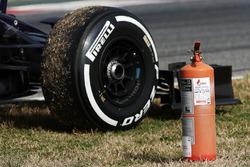 De Scuderia Toro Rosso STR11 van Max Verstappen gestopt op het circuit