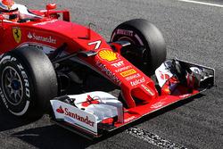 Kimi Raikkonen, Ferrari SF16-H front wing detail