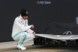 Льюис Хэмилтон, Mercedes AMG F1 представляет Mercedes AMG F1 W07 Hybrid