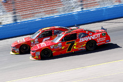 Justin Allgaier, JR Motorsports Chevrolet en Darrell Wallace Jr., Roush Fenway Racing Ford