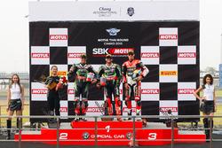 Podium : 2. Jonathan Rea, Kawasaki Racing Team; 1. Tom Sykes, Kawasaki Racing Team; 3. Chaz Davies, Aruba.it Racing - Ducati Team