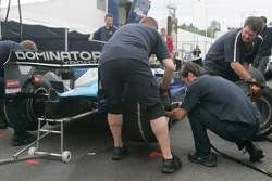 The Piquet Sports team practice pit stops