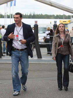 Wladimir Klitschko arrives at the track side