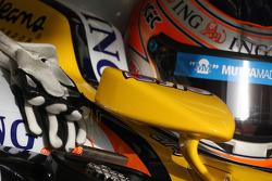 Nelson A. Piquet, Renault F1 Team, gloves