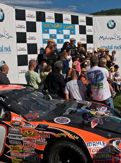 Mohegan Sun winning race team
