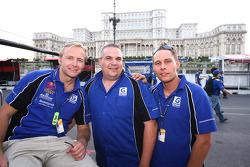 Philipp Peter, Allan Simonsen and a Gigawave Motorsport team member
