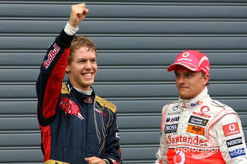 El autor de la pole Sebastian Vettel, el segundo Heikki Kovalainen