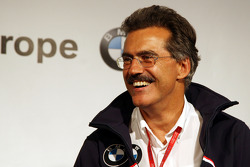 BBQ at FBMW Hospitality: Dr. Mario Theissen, BMW Sauber F1 Team, BMW Motorsport Director