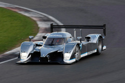 The hybrid Peugeot 908 HDi FAP, the Peugeot 908 HY, is tested by Nicolas Minassian