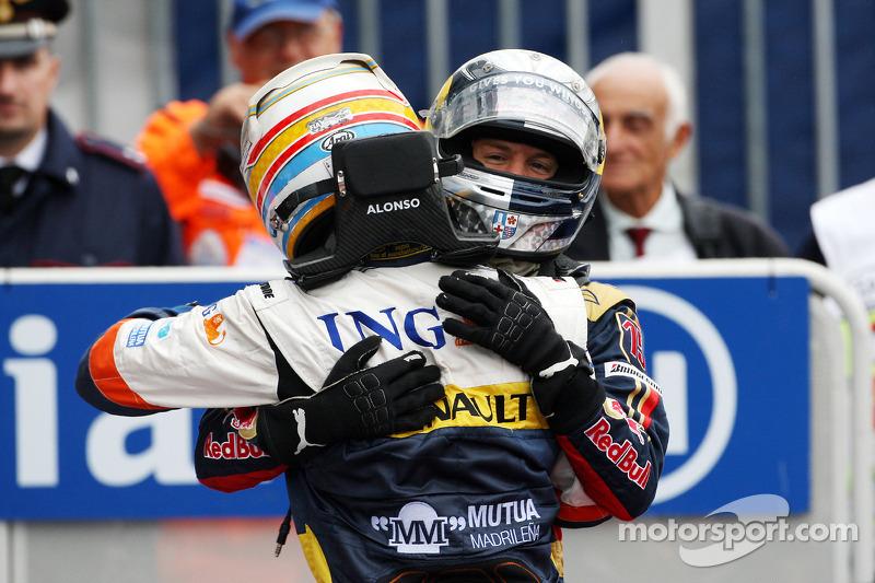 Fernando Alonso gratuliert