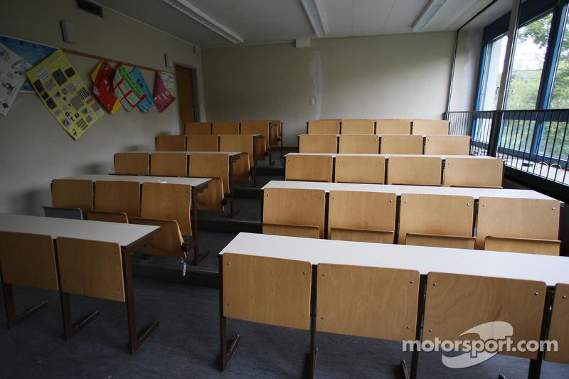 Рідне місто Себастьяна Феттеля - Геппенгайм, Німеччина: гімназія Себастьяна Феттеля