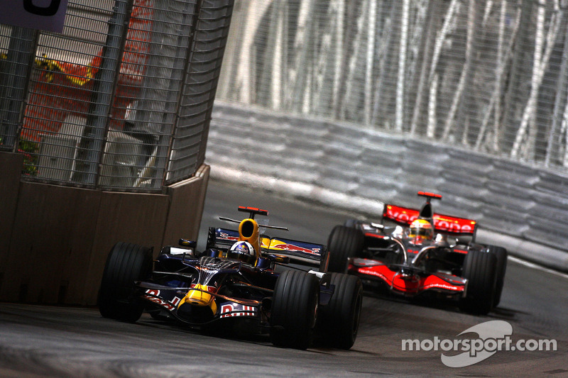 David Coulthard, Red Bull Racing, RB4; Lewis Hamilton, McLaren Mercedes, MP4-23