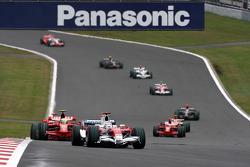 Jarno Trulli, Toyota Racing, TF108 leads Felipe Massa, Scuderia Ferrari, F2008
