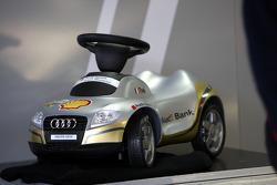Александр Према, Audi Sport Team Phoenix, Audi A4 DTM стал отцом 22 октября и сделал такую забавную