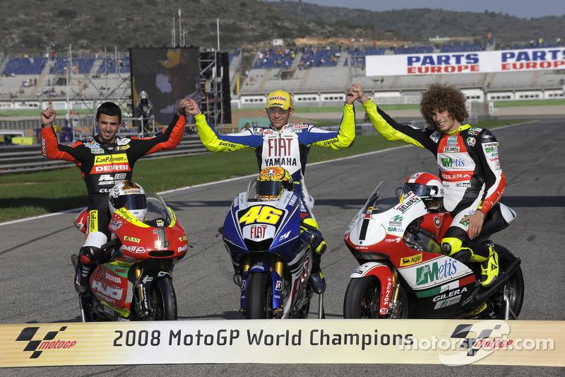 Campioni del mondo MotoGP 2008: 125cc Mike Di Meglio, MotoGP Valentino Rossi, 250cc Marco Simoncelli