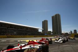 Race start: Vitor Meira (A.J. Foyt Enterprises)