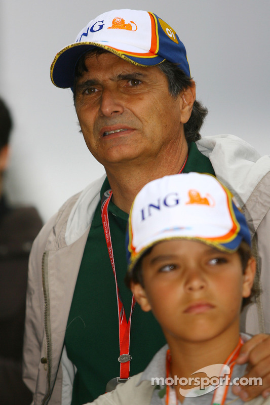 Nelson Piquet with his son