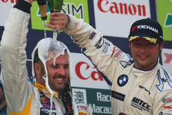 Podium, Yvan Muller and Andy Priaulx celebrate with champagne