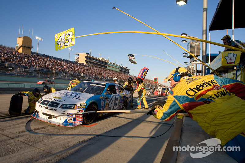 Pit stop for Bobby Labonte