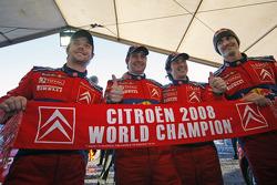 Sébastien Loeb y Daniel Elena, Daniel Sordo y Marc Marti, celebran el campeonato de Citroen