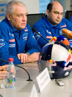 Team Kamaz Master departure press conference at the Moscow airport: Semen Yakubov and Ilgizar Mardeev