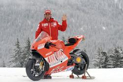 Vittoriano Guareschi with the new Ducati Desmosedici GP9