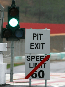 Pitlane exit