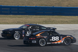 #88 Ranger Sports Racing Porsche 997: Barry Ellis, Fraser Wellon and #68 CA Sport Ford Mustang GT: Vesko Kozarov, Keith Rossberg crash