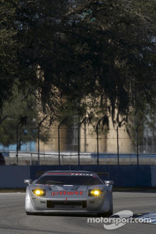 #40 Robertson Racing Doran Ford GT MK 7: David Robertson, Andrea Robertson, David Murry