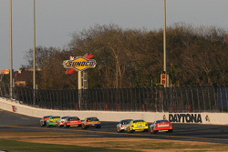 Race action on the Daytona back straight