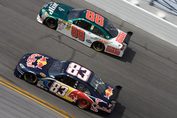 Brian Vickers, Red Bull Racing Team Toyota, Dale Earnhardt Jr., Hendrick Motorsports Chevrolet