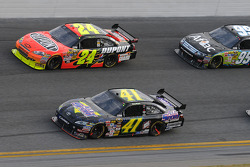 Jeremy Mayfield, Mayfield Motorsports Toyota, Jeff Gordon, Hendrick Motorsports Chevrolet, and Carl Edwards, Roush Fenway Racing Ford