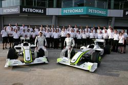 Brawn GP group picture, Jenson Button, Brawn GP, Rubens Barrichello, Brawn GP and Ross Brawn Team Principal, Brawn GP