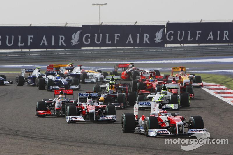 Start: Timo Glock, Toyota F1 Team and Jarno Trulli, Toyota Racing