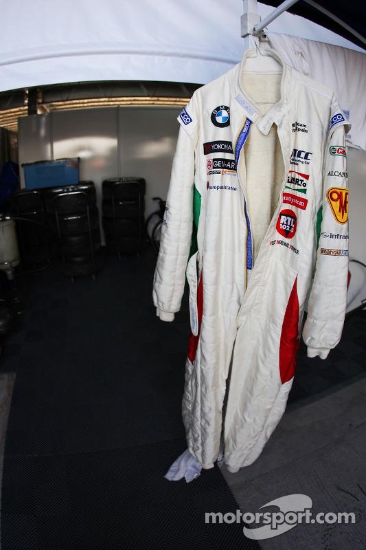 Racing suit of Alex Zanardi, BMW Team Italy-Spain at Morocco