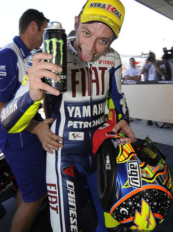 Race winner Valentino Rossi, Fiat Yamaha Team celebrates